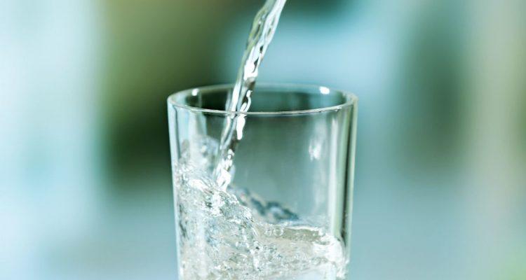 Les bienfaits de l'eau minérale au quotidien